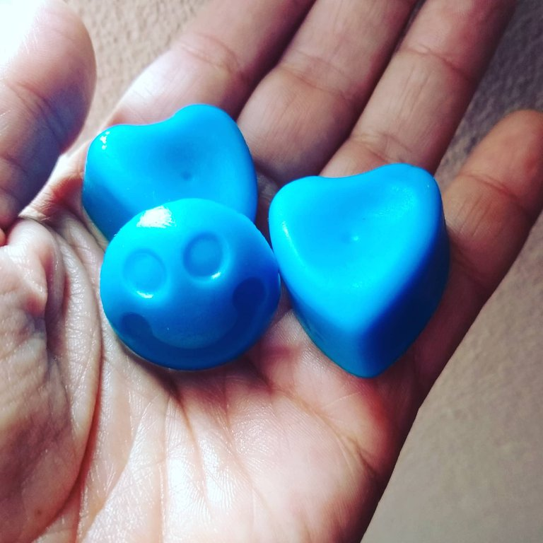ruth-girl handmade soaps (16).jpg
