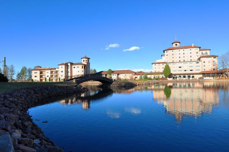 USA_Colorado_Broadmoor_Back(2) keith knapp 3.0.JPG