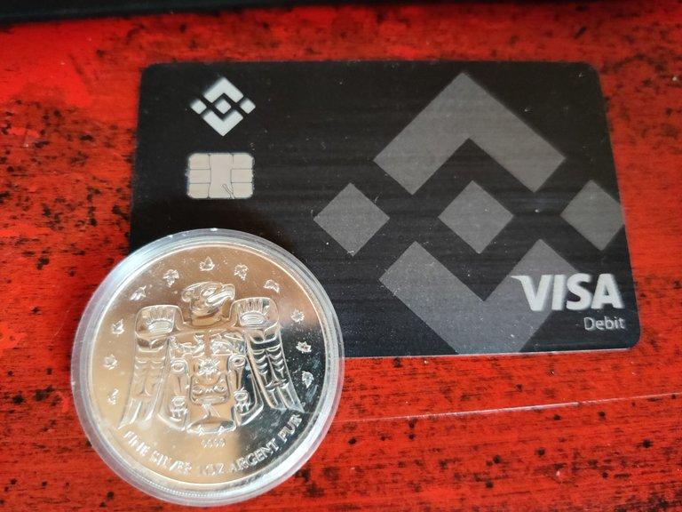 Binance VISA Debit card BNB.jpg