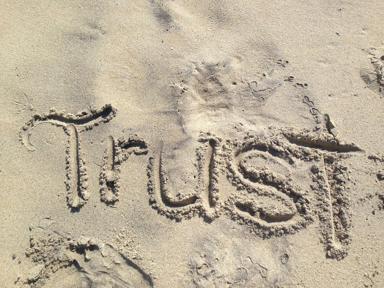 trust-1418901_1280 (1).jpg