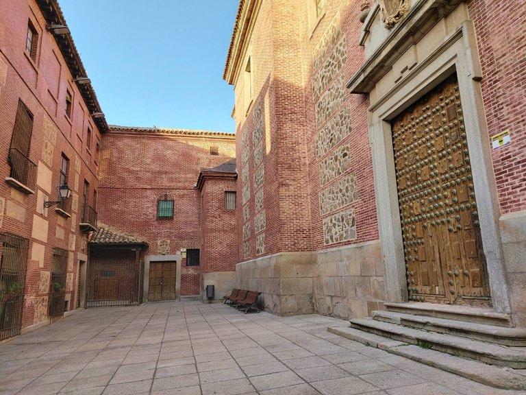beautiful ancient buildings in Spain10.jpg