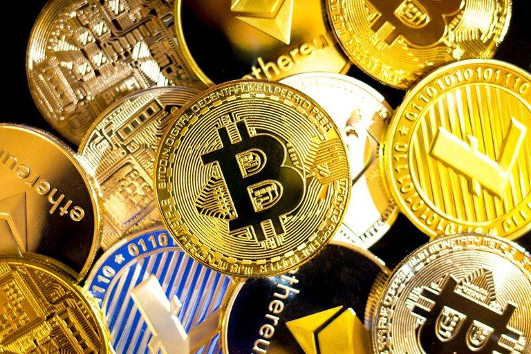 bitcoin-6231930_1920.jpg