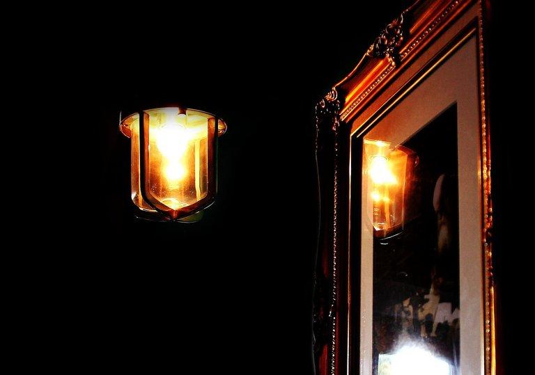 light-981834_1280.jpg