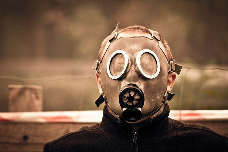 gas-mask-469217_1280.jpg