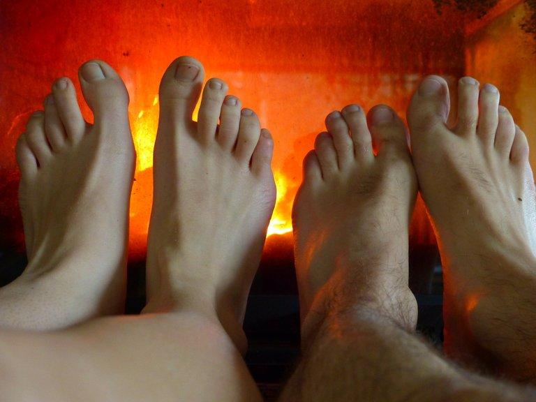 feet99991_1280.jpg