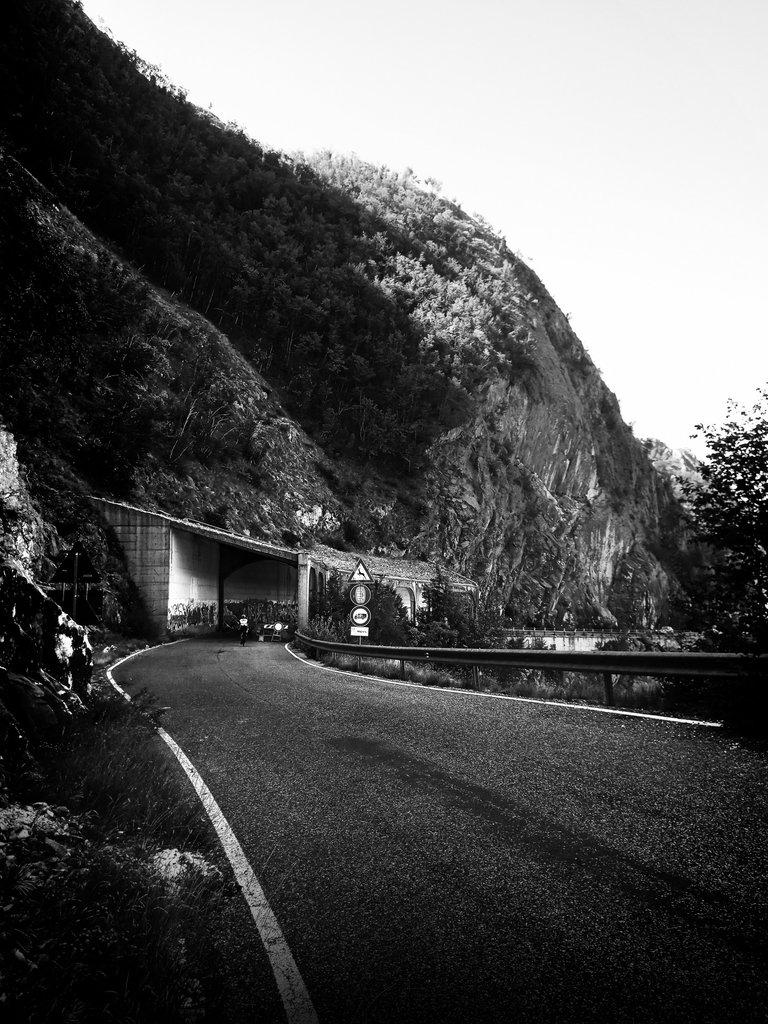 Biking Down from the Passo del Vestito