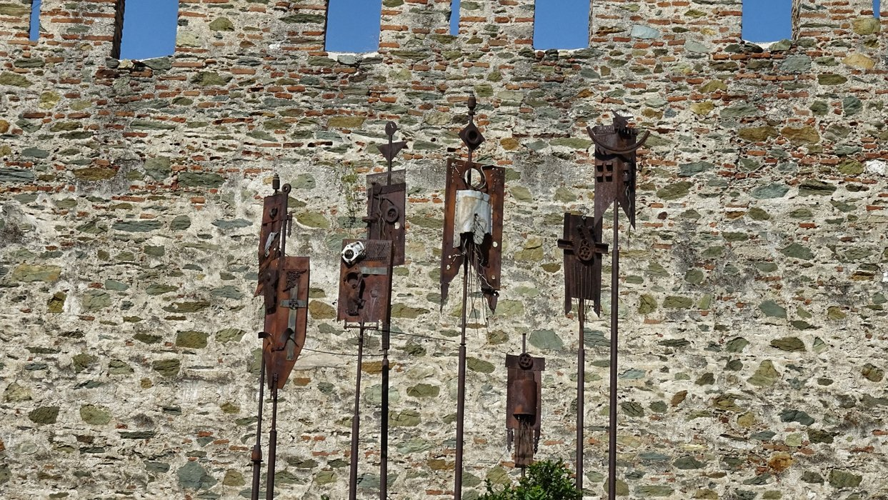 Rusty signs of long forgotten knights