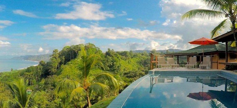 C2-Infinity-Pool-Tranquilo-Lodge-Drake-Bay-Costa-Rica-980x450.jpg