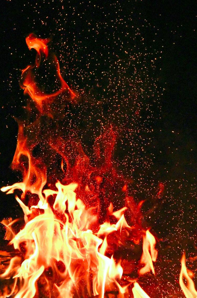 redandorangefire1558916.jpg