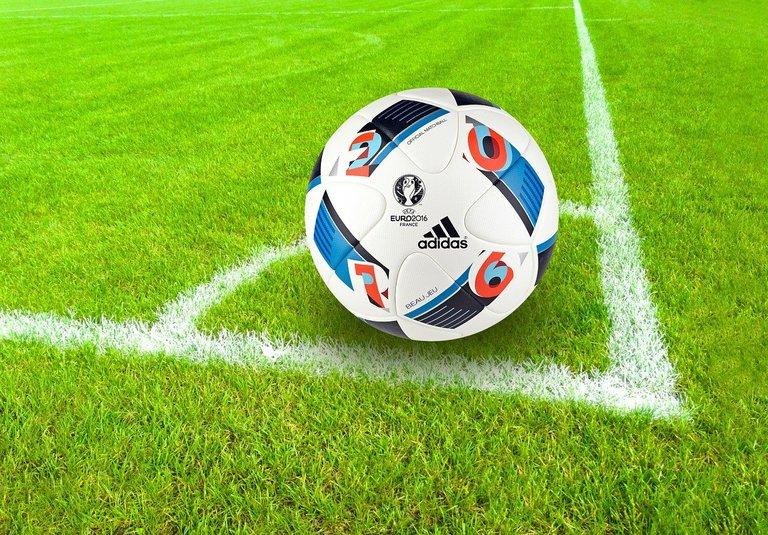 football-1419954_1280.jpg