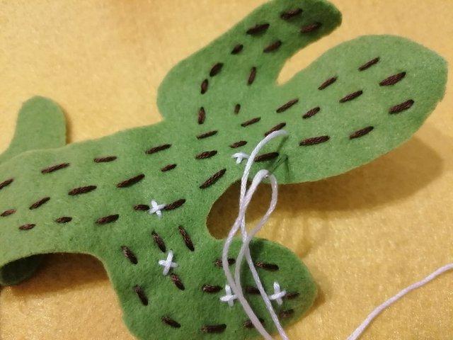 craft-cactus-felt_(7).jpg