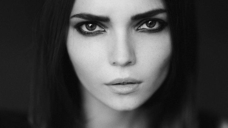 6933996-face-photo-girl-portrait.jpg