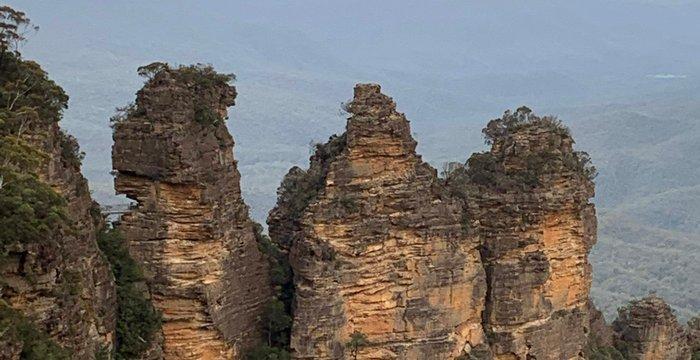 Trzy Siostry w Górach Błękitnych. Piękna legenda, busz po pożarze oraz jak giną turyści w Australii