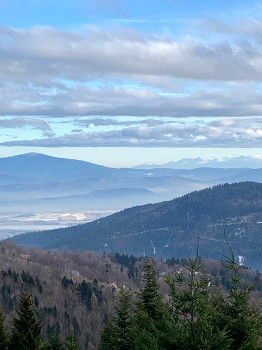 Babia Góra i Tatry widziane spod Klimczoka