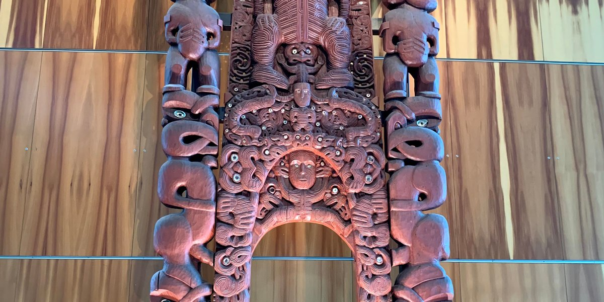 Te Papa Tongarewa, Wellington. Muzeum Narodowe N. Zelandii / El Museo Nacional de N. Zelanda [PL/ES]
