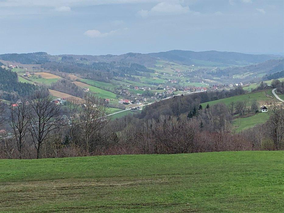 Kamionna - widok z okolic Bacówki na Zadzielu