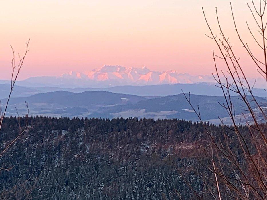 Tatry o wschodzie słońca, widok z Jaworza