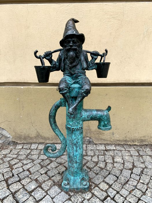 Wodziarz - Rynek, pomnik Fredry