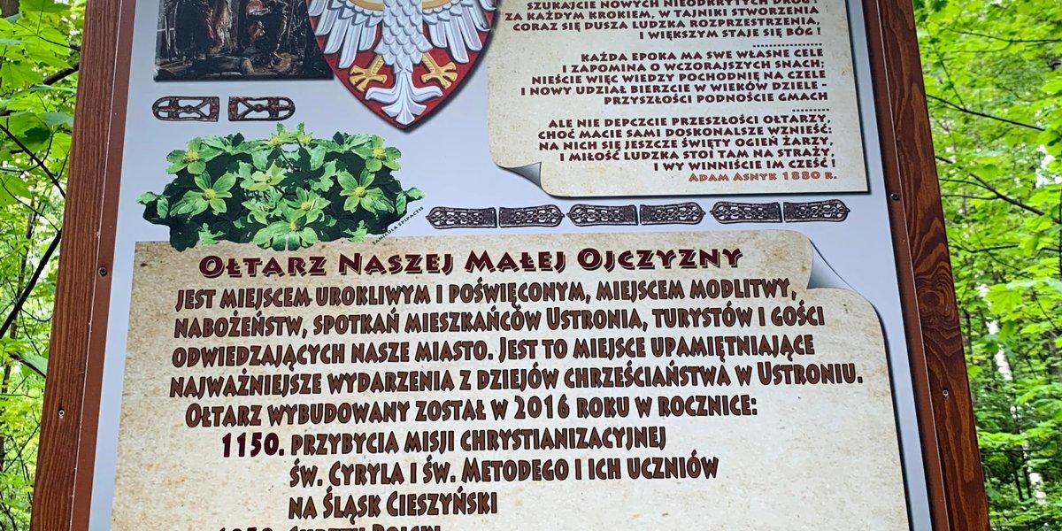 Mała i Duża Ojczyzna. Pamiątkowe tablice historyczne w Ustroniu pod Małą Czantorią.