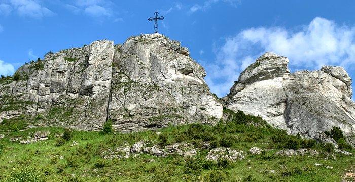 Miniaturowy Giewont w Olsztynie. Wapienne ostańce, ruiny zamku i góry, które nie są Górami.