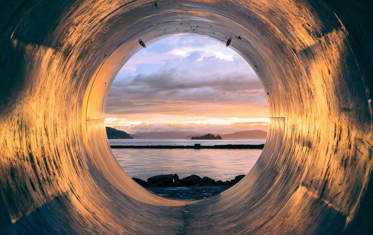tube-945487_1920.jpg