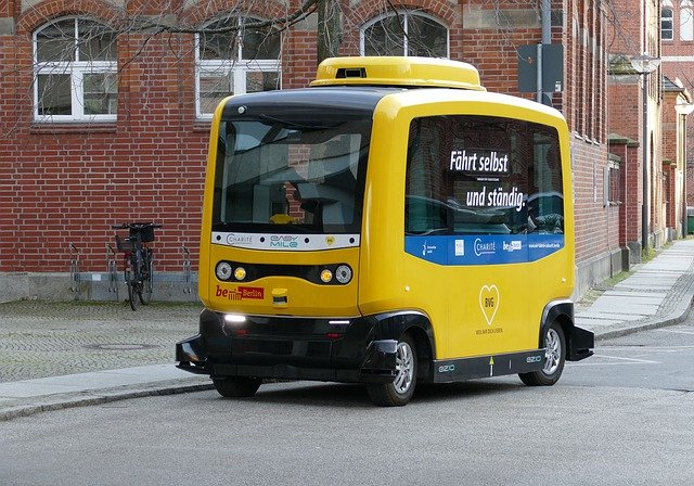 vehicle-4759347_640.jpg
