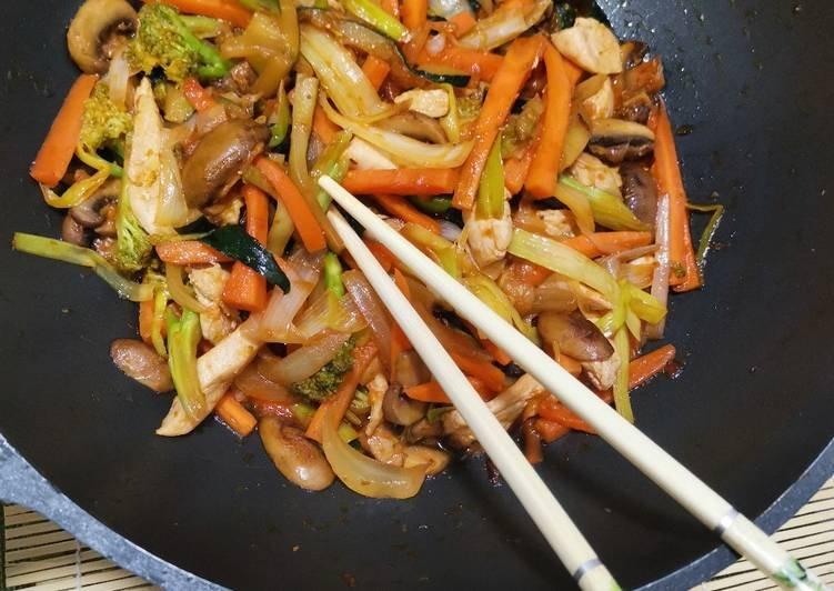 chopsuey-de-verduras-y-pollo-foto-principal.jpg