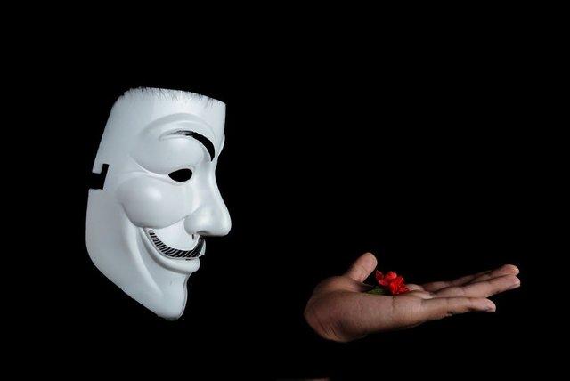 anonymousstudiofigurephotographyfacialmask38275.jpeg