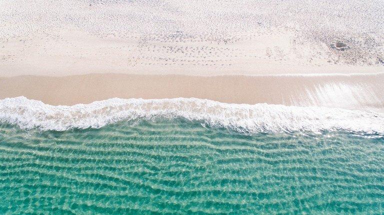beach1867436_1280.jpg