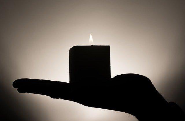 candle335965_640.jpg