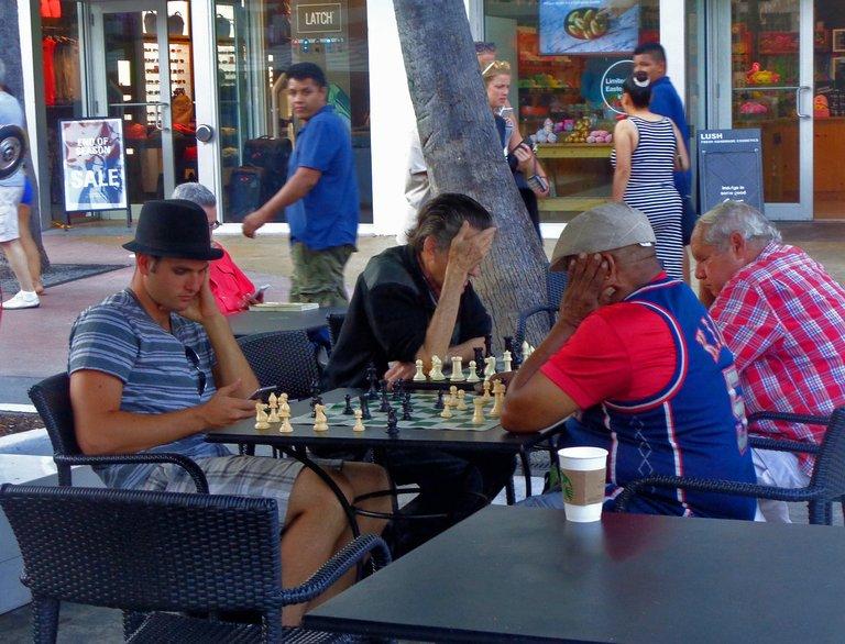 chess1582516_1280.jpg