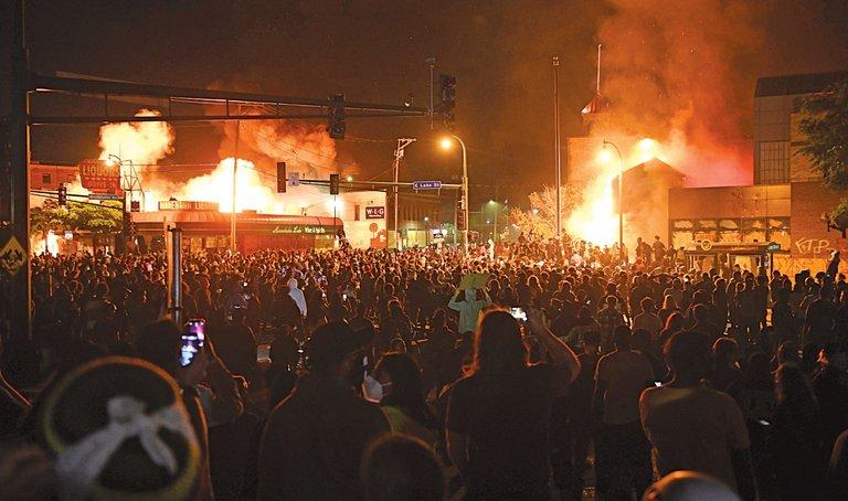 riots daily star.jpg