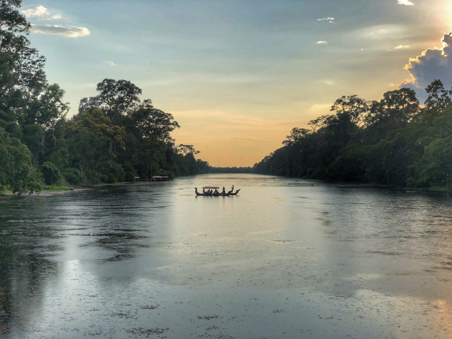 Riverboat fishing in Siem Reap
