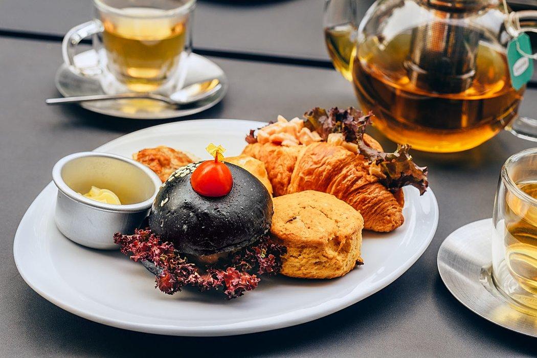 2pm g hotel high tea