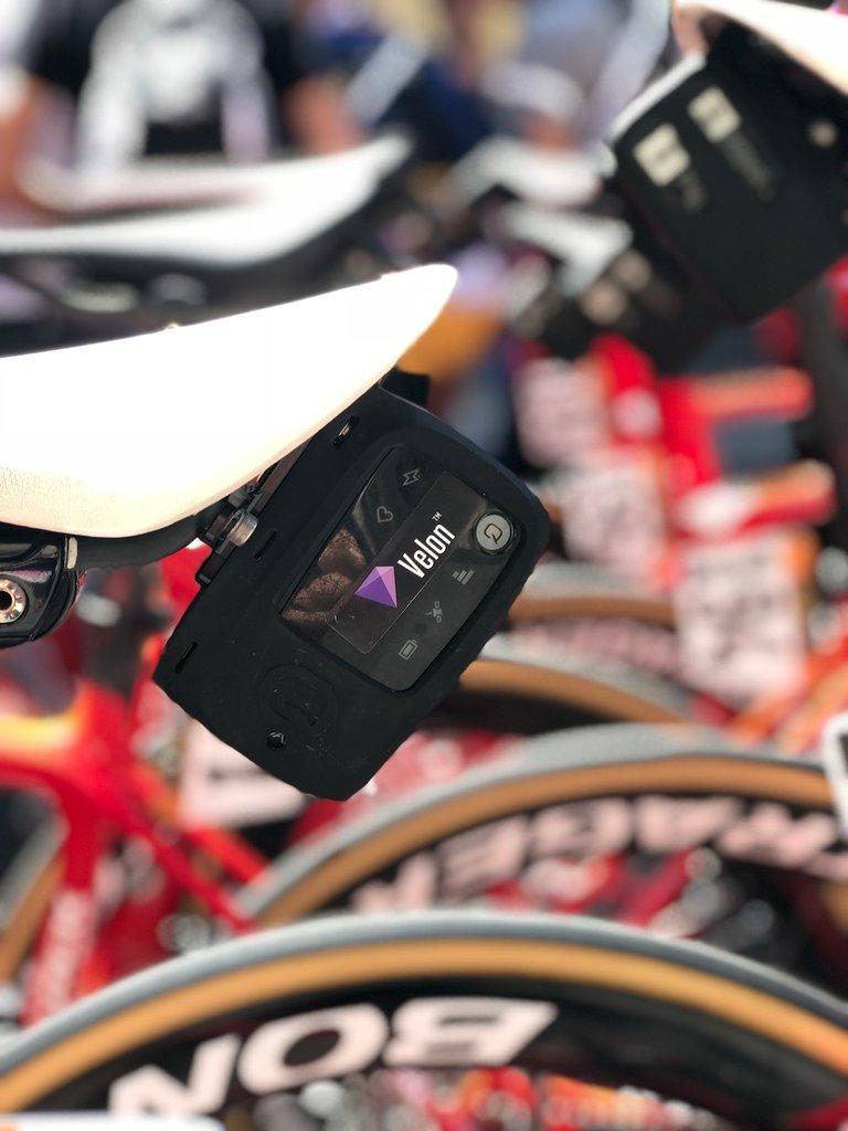 Deviceonbike1500x2000.jpg