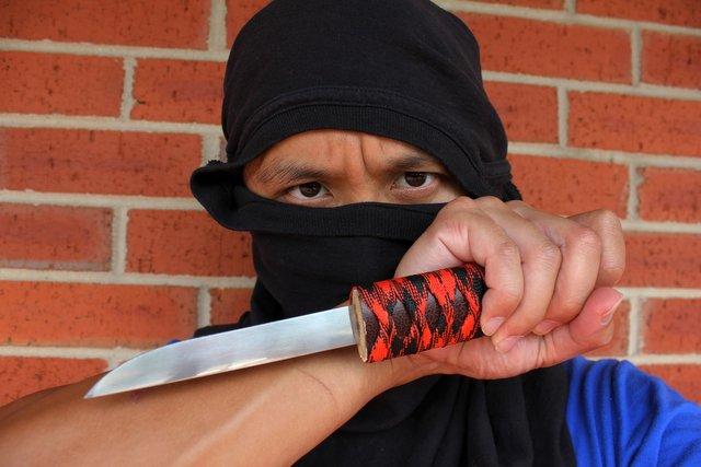 Ninja knife technique.jpg
