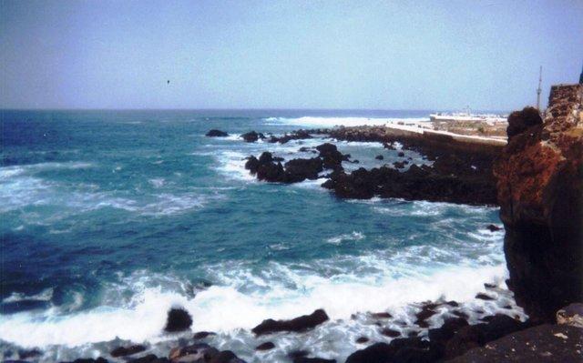 Puerto de La Cruz Costa.jpg