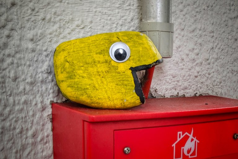 googlyeyes googly eye pebble pac man snapshot by fraenk titleimage