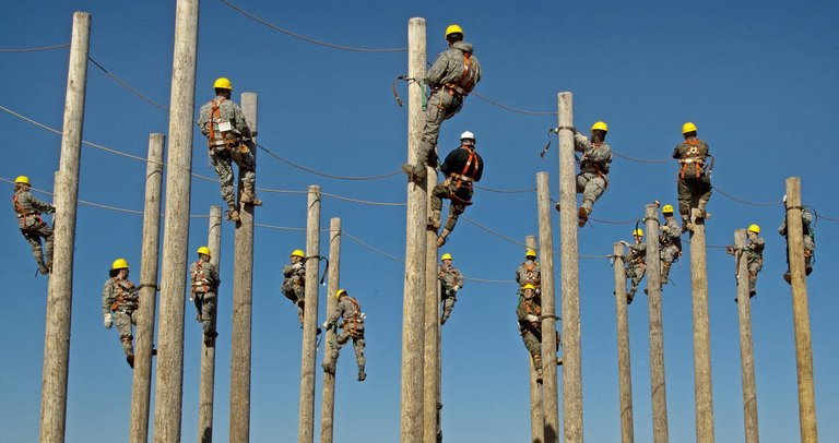 workers-659883_1280.jpg