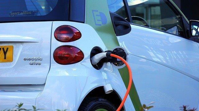 electric-car-1458836_640.jpg