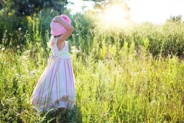 little-girl-2516582_1920.jpg
