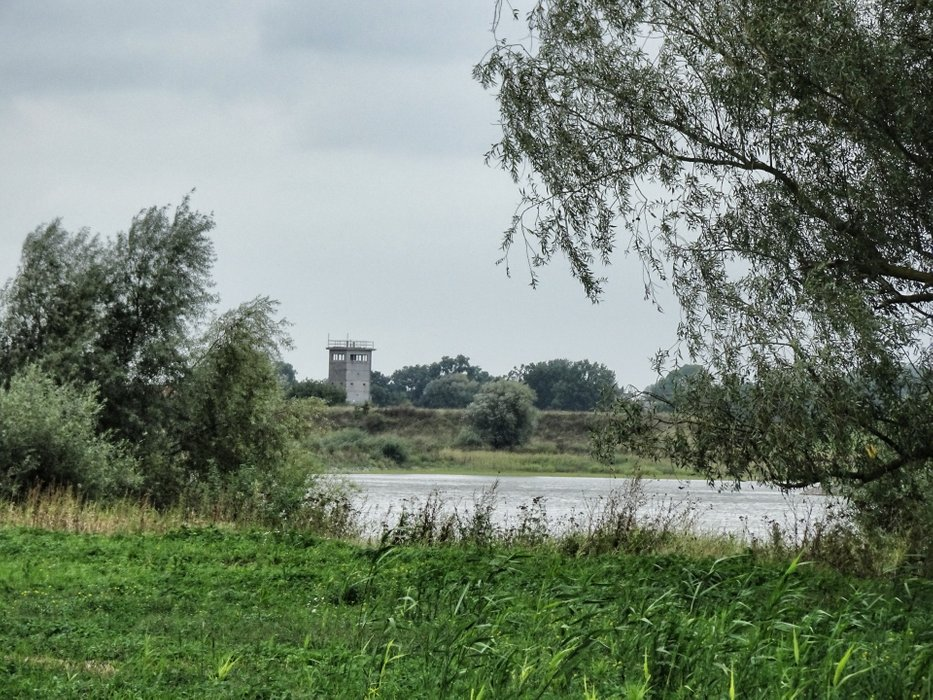 All along the watchtower, now on the other side of river Elbe.