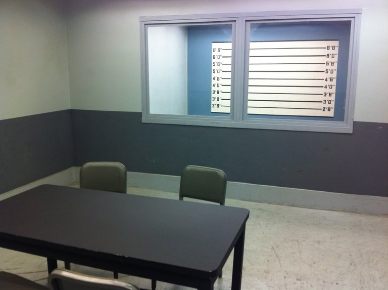 Police-Station-Interrogation-Room-Los-Angeles-Filming-Location-1024x764.jpg