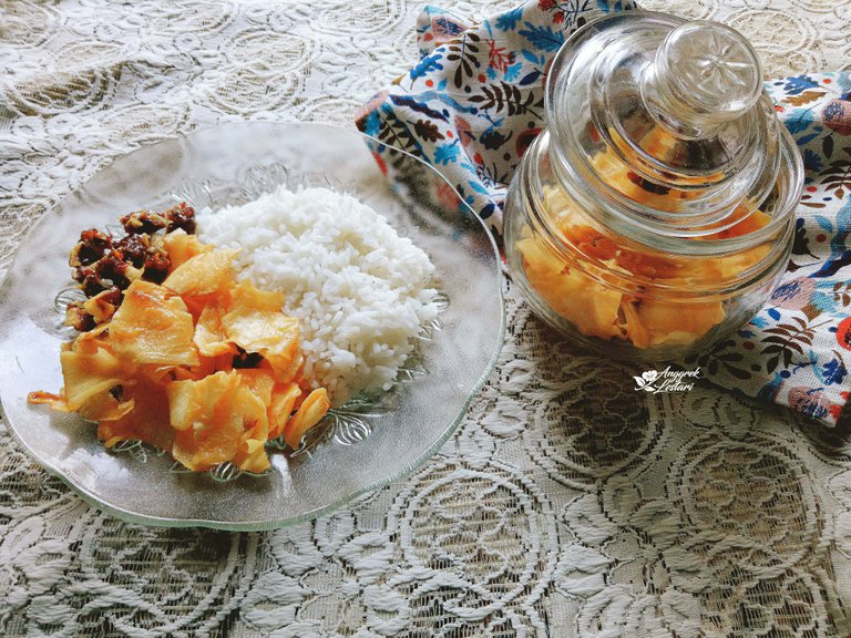 Cassava Chips with Rice2.jpg