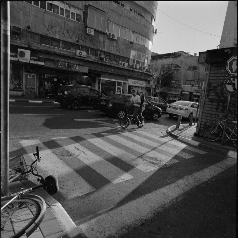 Kodak_400TX_Pushed-800_TelAviv_Victor_Bezrukov-8.JPG