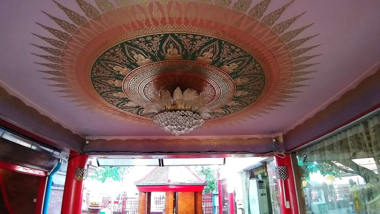 dusit_temples_bangkok_oct_2020_197.jpg