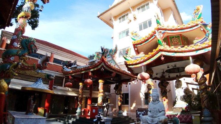 dusit_temples_bangkok_oct_2020_166.jpg