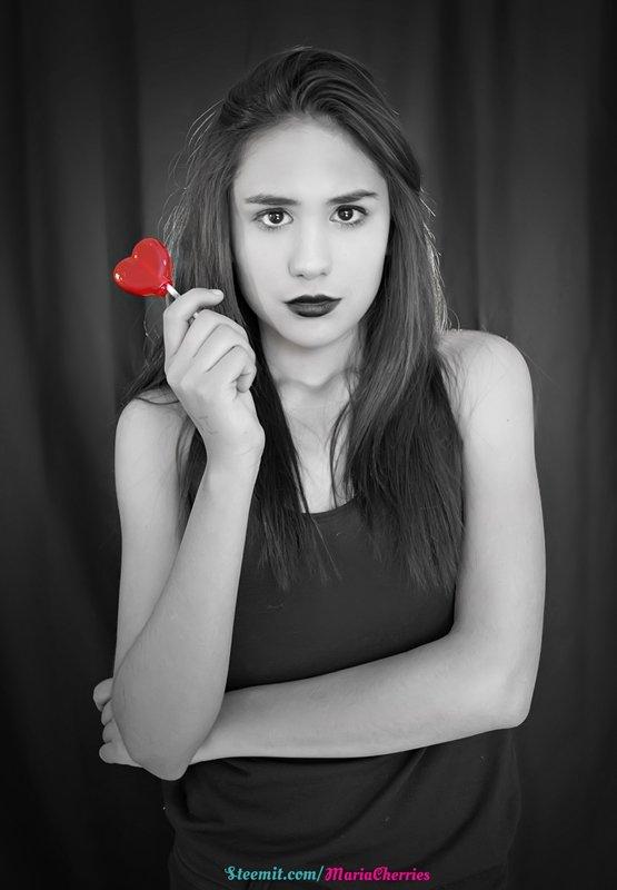 Lollipop Heart15 MariaCherries.jpg