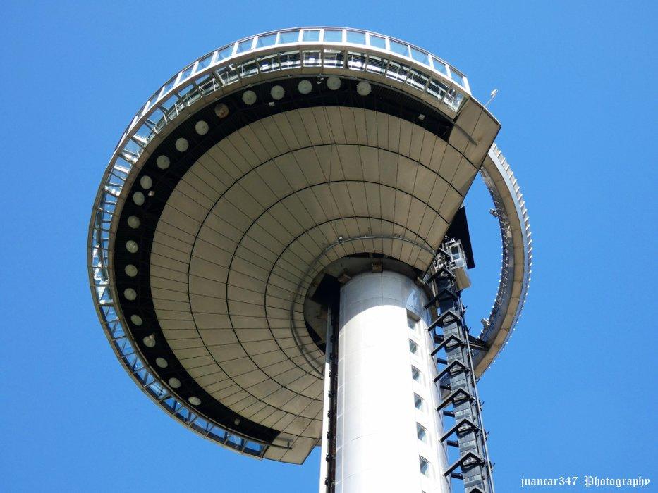 Its flying saucer shape impresses
