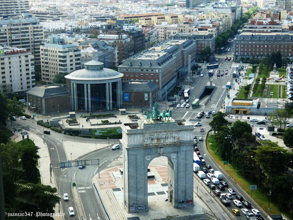 The Arch of Victory, also known as the Puerta de Moncloa and the Interchange